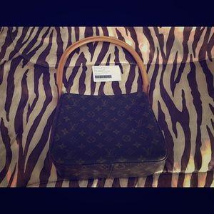 Louis Vuitton looping purse
